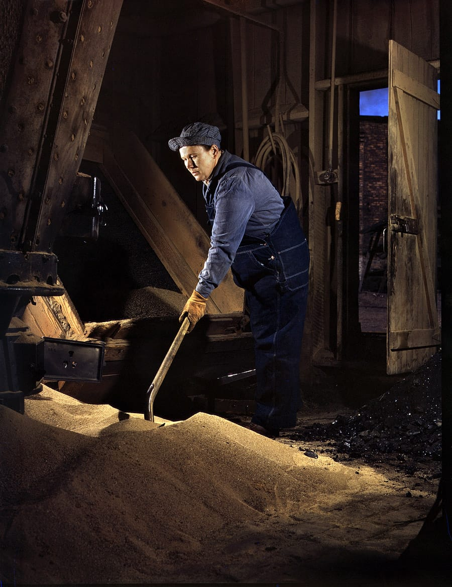 "April 1943. ""Mrs. Thelma Cuvage, working in the sand house at the Chicago & North Western R.R. roundhouse at Clinton, Iowa."